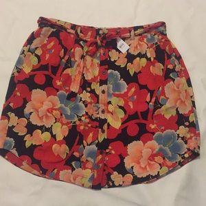 NWT Loft Sz L floral skirt
